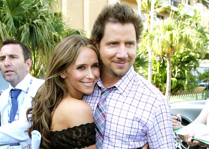 Jennifer Love Hewitt and Jamie Kennedy: Engaged!