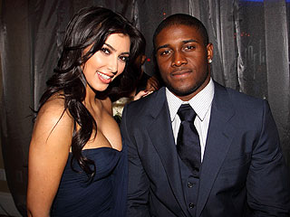 Kim Kardashian and Reggie Bush are together... again!